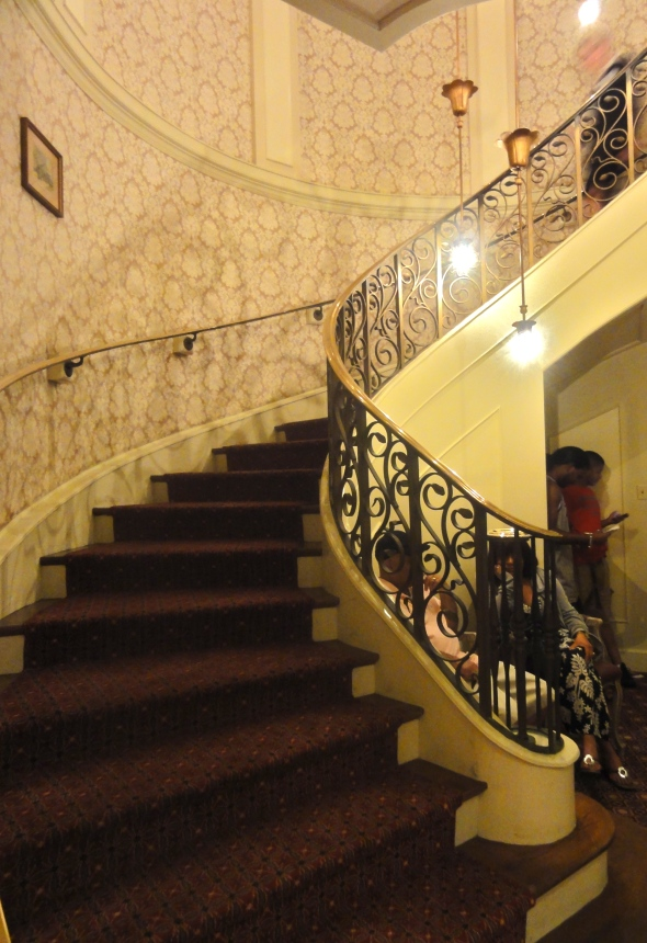 Lobby staircase of Bistro de Paris