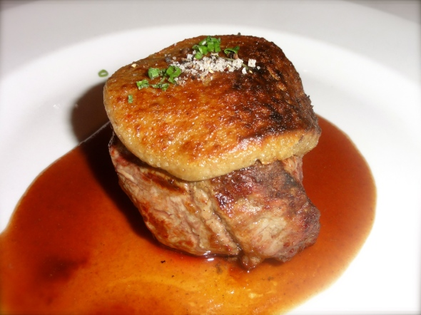 Grilled beef tenderloin with mushroom crust, mashed potato, Bordelaise sauce at Bistro de Paris