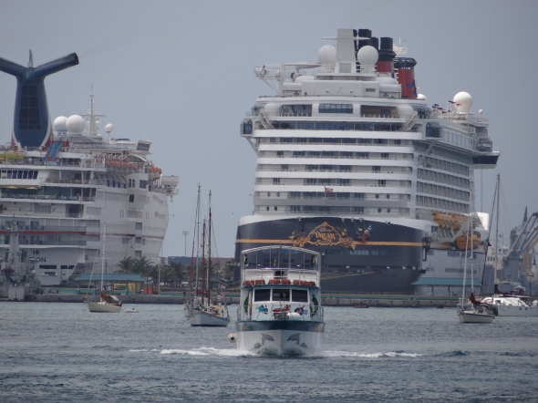 Blue Lagoon ferry and Disney Dream