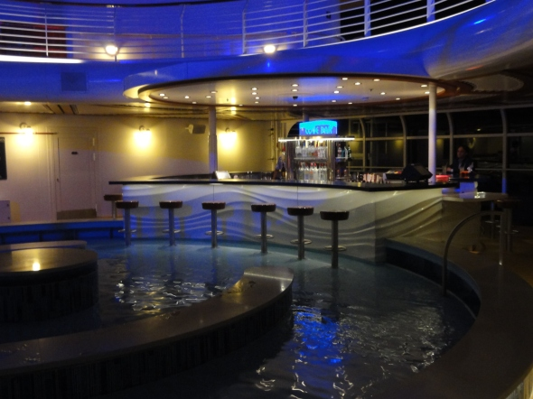 Quiet Cove Pool Bar Disney Dream